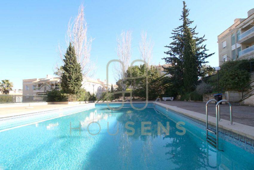 Atico en la bonanova con piscinas parking y solarium (11)