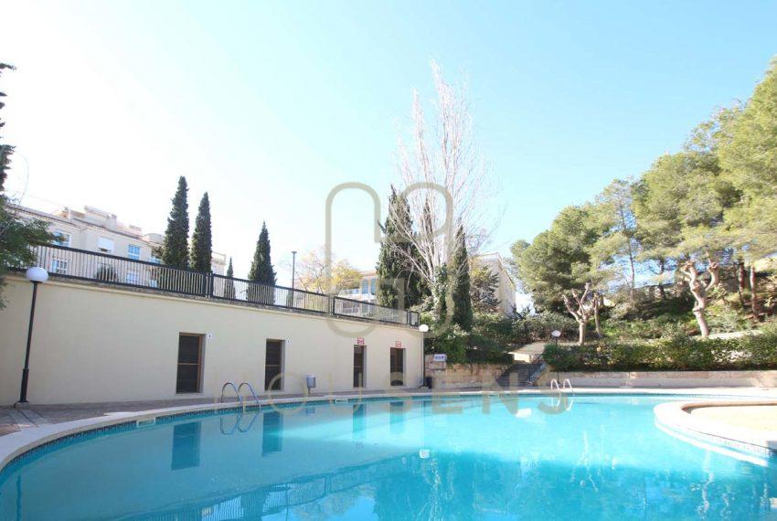 Atico en la bonanova con piscinas parking y solarium (13)